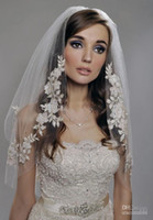 Wholesale Vintage White Ivory Short Tulle Wedding Bridal Veil Elbow Length Two Layer Beaded Lace Appliques