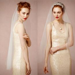 Wholesale Ivory Fingertip Length Sheer Tulle Bridal Veils Soft Nylon Tulle Wedding Veil Raw Cut Single layered Veil Blusher Ceremony Sleek Silhouette