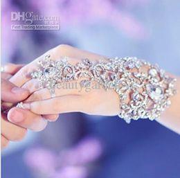 Wholesale Hot Elegant Wedding Bridal Party Prom Jewelry Crystal Rhinestones Diamonds Bracelet With Ring Wristband Bracelet jb050