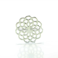 Cheap Wholesale 10 Silver Tone Hollow Flower Window Plate Origami Owl Floating Charms For 30mm Glass Living Locket(W03750 X 1)