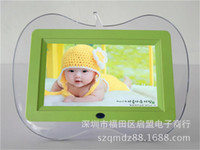 Cheap Wholesale 7 inch digital photo frame electronic album apple-shaped hot product new advertising products gifts
