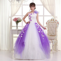 Cheap D116 Free shipping 2016 new fashion purple white petal one shoulder appliques flower wedding dresses bride ball gowns dress