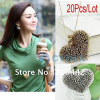 Wholesale Hot Sale Fashion Necklace Alloy Necklace Hollow Tree Heart Pendant Antique Necklace Coat Chain