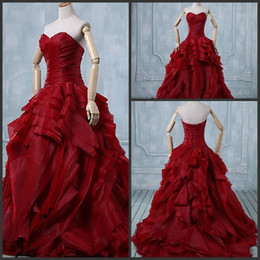 Wholesale 2015 Design Fashion Unique Fold Organza Red Ball Gown Wedding Dresses Ruched Sweetheart Neckline Wedding Gowns Ball No Sleeve Corset Tie