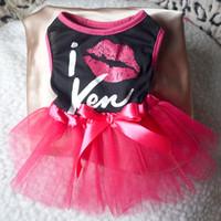 Wholesale FreeShipping Pet Dog Hot Lip Print Tutu Dress Lace Skirt Princess Clothes Cat Bowknot Dress DropShipping