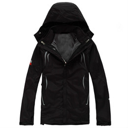 Wholesale 2014 New Winter Men Fleece Jacket Outdoor Waterproof Windproof Outerwear Coats Men Winter SoftShell Clothing Coats