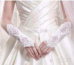 Wholesale 2014 Bridal Gloves So Cheap Bridal Accessories New Hot white Bridal Gloves Bud silk embroidery Wedding jewelry Pure white fingerless gloves