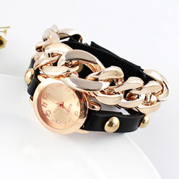 New Hot Sale Black Leather and Alloy Watchband Acrylic Round Wristwatch for Women