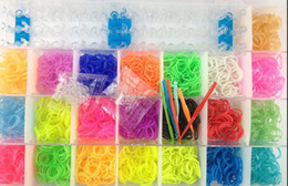 Wholesale MN DIY LOOM KIT Mix Color Rubber Elastic Band C Clips With Storage Container ship with TRACKING