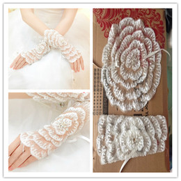 Wholesale Rose Flower Shape Tulle Wedding Gloves Wrist Length Bandage Bridal Glove With Sequins Top One