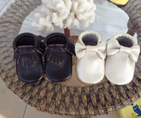 Wholesale Toddler Children s Leather Shoe Baby Girl Boy Slip On AntiSkid First Walker Shoes Prewalker Bowknot Tassels Soft Soled BlackWhite T K0450