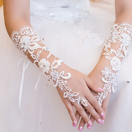 Wholesale 2014 Cheap Bridal Gloves About cm Luxury White Lace Diamond Flower Glove Hollow Wedding Dress Bridal Accessories NM001