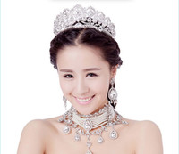 Wholesale 2014 New Design Wedding Jewelry Sets Three Pieces Tiaras Necklace Earrings Sets Korean Style Romantic Huge Diomand Bridal Accessories Sets