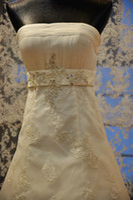 Wholesale New Fashion Sheath White Wedding Dresses Strapless Chapel Train Applique Beaded Crystal Ribbon Lace Satin Bridal Dresses Wedding Gown XF28