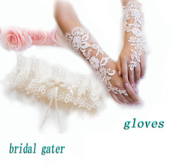 Wholesale Ivory Lace Bridal Garter gloves Beautiful Simple Ladies Garters Wedding Accessories with Ribbon crystals in Stock