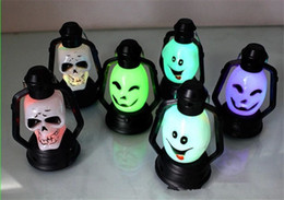 Wholesale New Arrival Halloween Light LED Lantern Novelties Symphony Small Lantern Flash Small Lamp LED Fairy Lights Skull Light Toys Novelty Lighting
