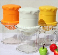 Wholesale Household universal manual fruit juicer apple lemon orange juicer baby vegetable juice squeezer