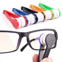 Wholesale Portable Handle Eyeglass Sun Glasses Microfiber Spectacles New Cleaner Clean Wipe