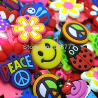 Wholesale 100pic Mix Colorful Silicone Loom Bands Charms Refill Rubber Bracelets Charm DIY Magnetic Floating Pandants For Children Jewelry
