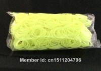 Fashion Bangles Yes 2014 New Style 600 Loom bands Glow in the Dark(China (Mainland))