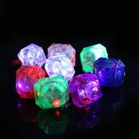 Acheter Discothèque clignotant conduit-Grand Diamond Ring Finger Luminous Anneaux LED Emitting Produits LED Clignotant Anneau Party Disco lumières de Noël Halloween Fête des Lumières