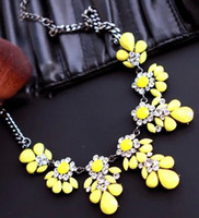 Wholesale 2014 New Fashion Bib Choker Necklace Fluorescence Yellow Colors Crystal Gem Flower Drop For Women Statement Necklace