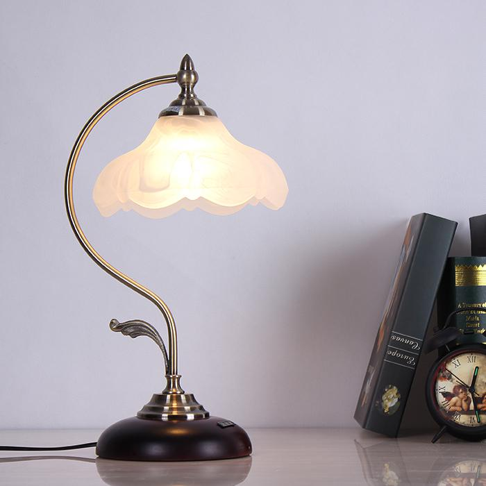 European Vintage Study Room Table Lights Wooden Base Glass Lampshade Living Room Reading Desk lighting Fixtures