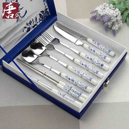 Wholesale 8 Dinnerware Sets Chopsticks folk knife spoon blue white porcelain style