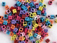 achat en gros de perles métiers-1000pcs 6 * 6mm Multi couleur avec Alphabet noir Perles Poney Lettre Perles Cube Forme Perles Pour Loom Band Bracelet