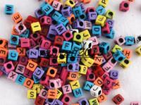 al por mayor cordón de telares-1000pcs el color multi de 6 * 6m m con el perno negro del alfabeto rebordea los granos de la forma del cubo de los granos de la letra para la pulsera de la banda del telar