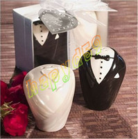 Wholesale cut wedding canister wedding party gift dress wedding favors porcelain couple ceramic salt pepper shakers canister creative game prizes