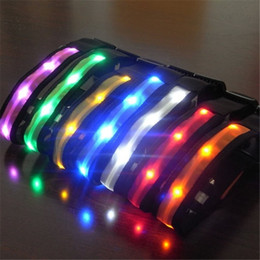 Wholesale Pet Dog Collar LED Flash Collars Dog Cat Collars Flashlights Dibo America Huskies Teddy Large Dog Collars S M L XL Emitting LED Pet Supplies
