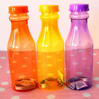 Wholesale V2113 creative personality transparent color transparent glass soda bottles with leak proof seal cup Tisheng water