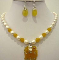 Bracelet,Earrings & Necklace Wedding party wigs Oval Pearl White & Yellow Jade Elephant Pendant Necklace Set