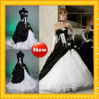 Wholesale Real Image Black and White Gothic Victorian Ball Gown Wedding Dresses Fall Winter Lace up Beaded Appliques Layered Vestidos De Novia