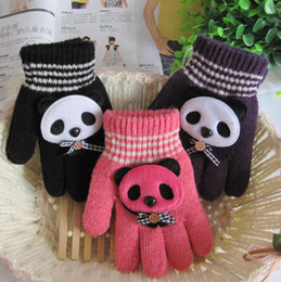 Wholesale Korean version of the lovely warm winter gloves for children five fingers five fingers gloves red panda cartoon factory direct