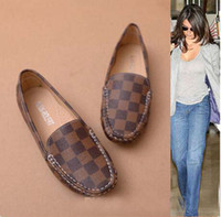 Wholesale Retro British style leather flats street shooting casual soft surface driving shoes women s flats Large size