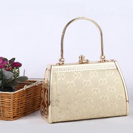 Wholesale Promotion New Luxury Fashion Women Lady Handbag Metal Embossed Box Elegant Golden Clutch Bag Hard Case Tote Bag H10561