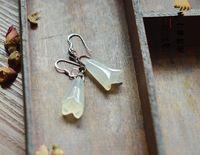 Wholesale Lastest Design Hand carved Natural Handmade Earrings HuangLong Jade Magnolias Apple Agate Shuimo Jade