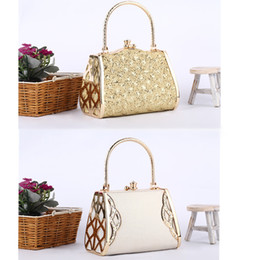 Wholesale Fashion New Luxury Women Handbag Lady Handbag Metal Hard Embossed Box Clutch Bag Golden Case H10602