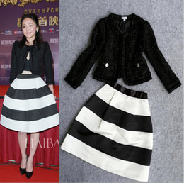 Wholesale Celebrity New Winter Clothing Women Wool Jacket Short Outerwear Striped Print A Line Skirt Set Casual Skirt Suit Autumn