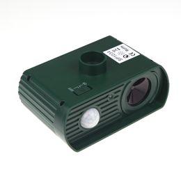 Wholesale Rechargeable Environmental friendly Outdoor Yard Garden Farm Universal Ultrasonic Solar powered PIR Sensor Pest Animals Repeller H11472