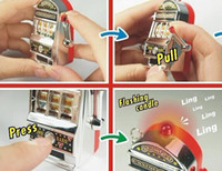 Wholesale 1pieces Carry Las Vegas World most mini slot machine keychain pendant Novelty Games Amusement Toys Activity