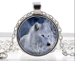Wholesale Polar White Wolf Necklace Arctic Wolf Pendant Fantasy Animal Jewelry Gifts