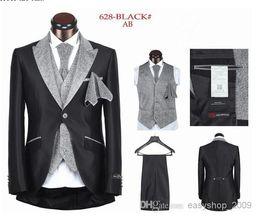 Wholesale The new suit wedding the groom suit men marry a button black white stripes