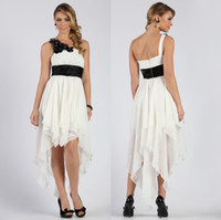 Wholesale New Sexy Hi Lo Cheap Bridesmaid Dresses One Shoulder White and Black Party Prom Dress Applique A Line Chiffon Maid of Bride Dress Gowns