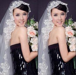 Wholesale New Arrival White Or Ivory Bride Bridesmaid Wedding dress Accessories Veil Comb Lace Bridal Veils Cheap