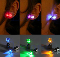 Wholesale 100pc New Fashion Cool Shiny Glowing Led Earrings colourful stud earrings light up Studs Light Party Club