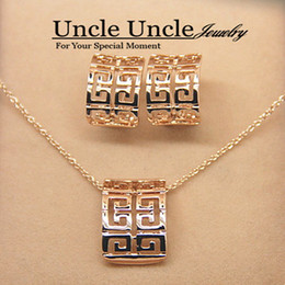Wholesale 18K Rose Gold Plated Classic Retro Rome Design Lady Jewelry Sets Necklace Earrings