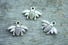 Wholesale 30pcs Bee charms Antique Tibetan silver Lovely Bee Honeybee Charm Pendant x21mm